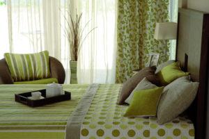 оливковый цвет в интерьере - фото 26